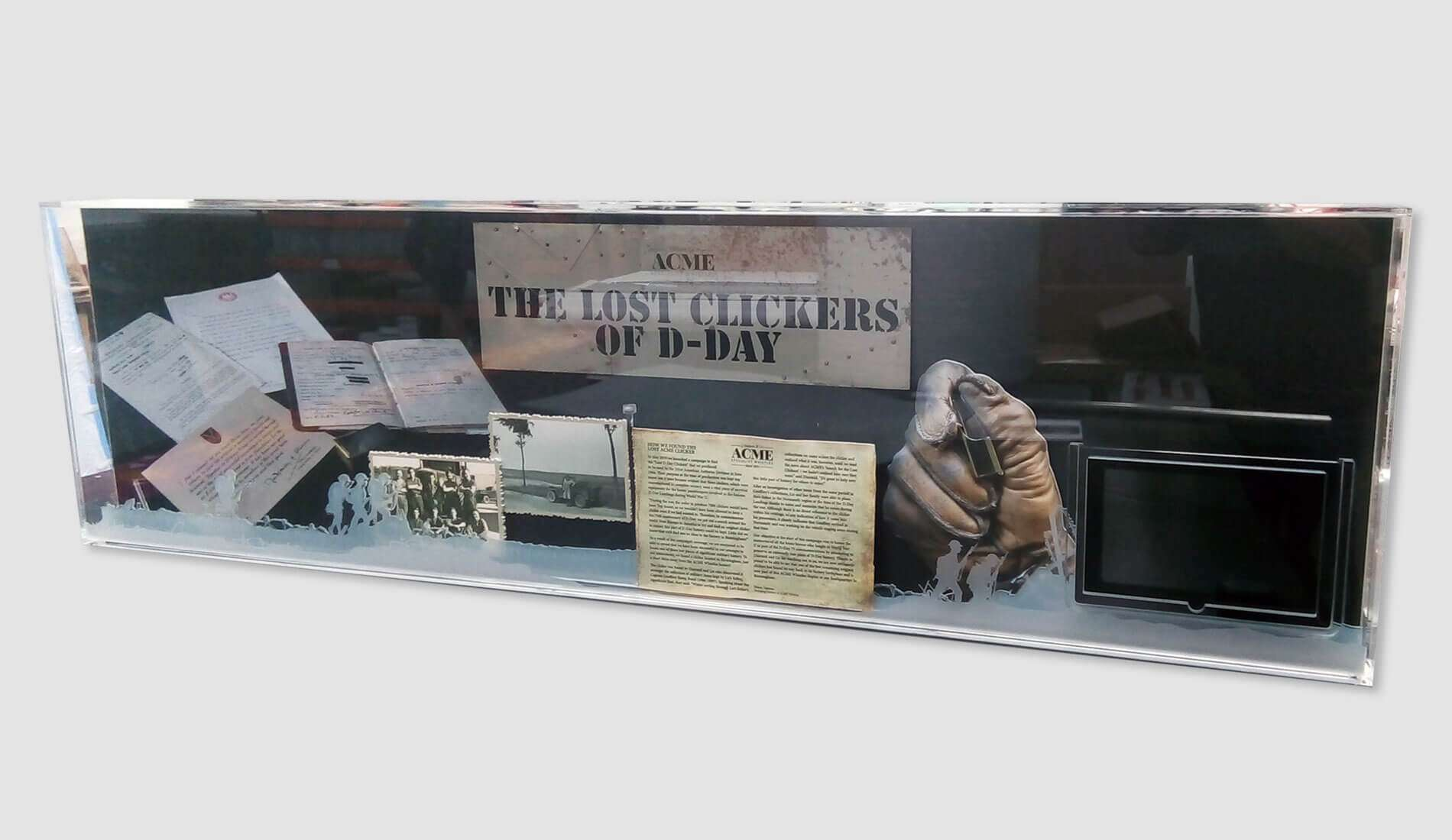 Acme Clicker WW1 Display Case